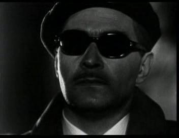 Штирлиц тайно идёт на встречу с Борманом